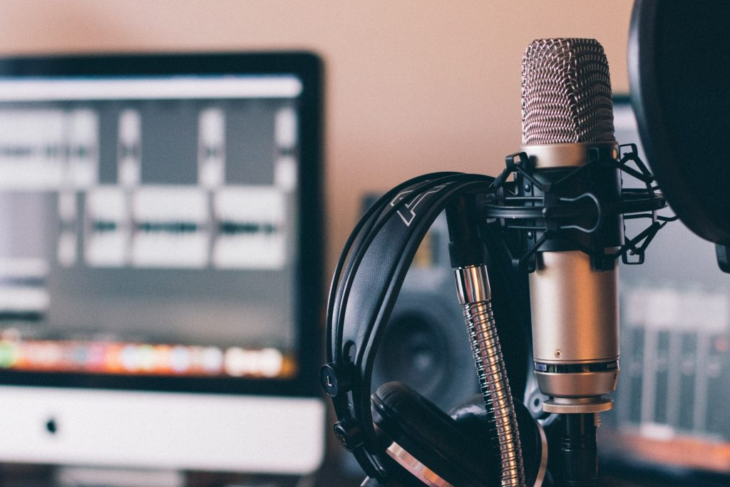 podcast starten erstellen geld verdienen